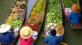 page31_c-floating-market-in-bangkok-thailand-1600x1200-getintravel-com